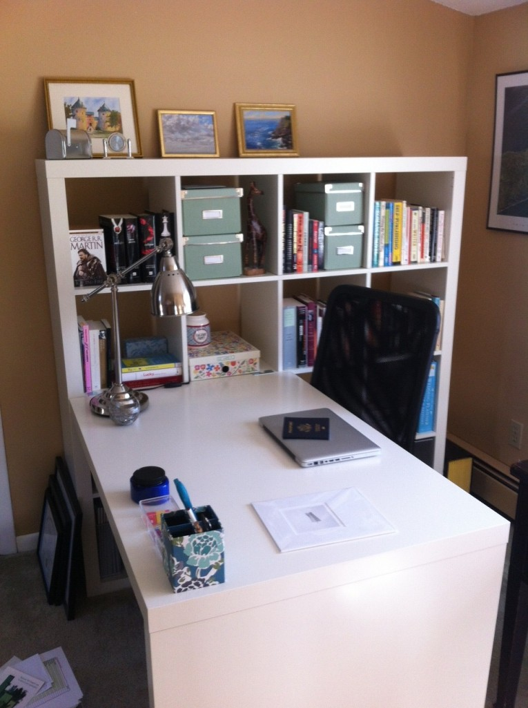 PRETTY, BRIGHT, ORGANIZED office space, yay!!